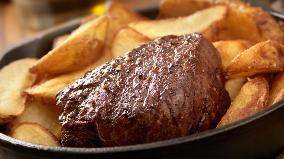 El peor error que cometes al hacer un filete a la plancha y otras tragedias culinarias del día a día