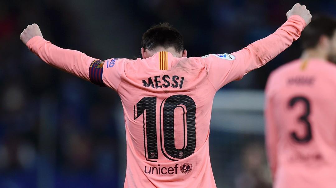 Un imperial Messi lidera la goleada del Barça en Cornellà