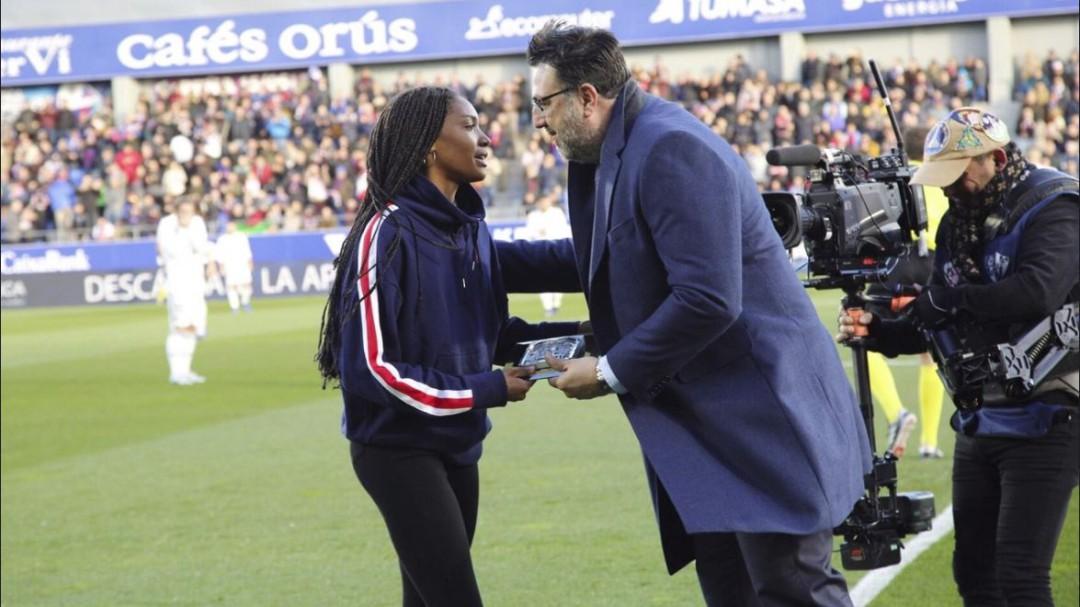 Indignación por el 'homenaje' del Huesca a una campeona del mundo