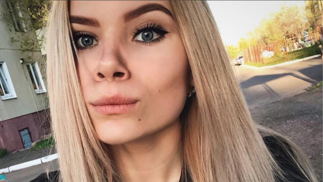 Muere una atleta rusa de 15 años al caer su móvil al agua mientras se bañaba