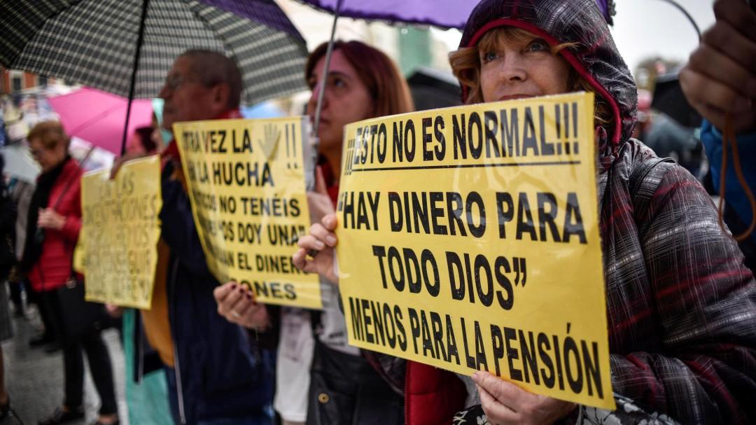 El Gobierno tiene previsto aprobar por decreto antes de fin de año la subida de las pensiones, que entrará en vigor en enero