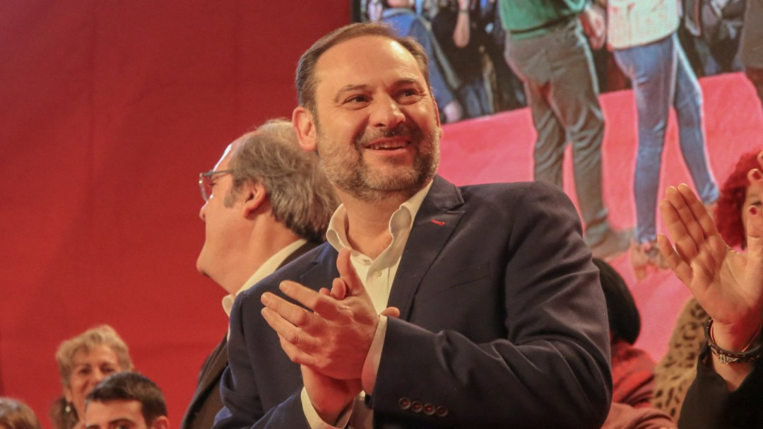 """Ábalos: """"Sánchez seguirá y no le dará el gusto de elecciones a la derecha"""""""